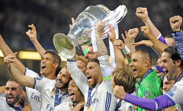 Sergio Ramos kipparoi viime keväänä Real Madridin jälleen Mestarien liigan voittoon.