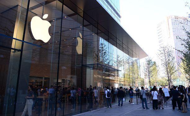 Applella on hulppeita myymälöitä ympäri Kiinaa, mutta tehdastyöntekijöillä harvoin on varaa niistä mitään ostaa.