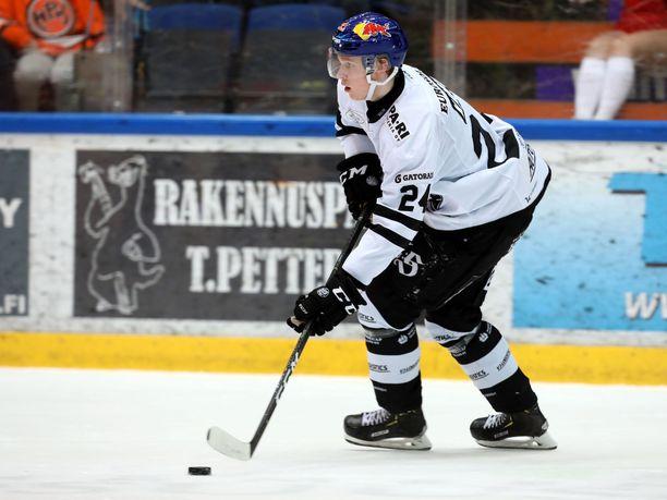 Kaapo Kakko teki TPS:lle kaksi maalia.
