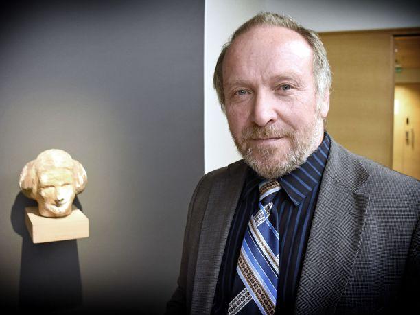 Teuvo Hakkarainen (ps) on ei jaksaisi odottaa hovioikeuden ratkaisua.