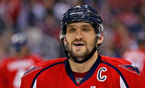 Alex Ovetshkin johti Capitalsin 6-2-voittoon Calgaryssa.
