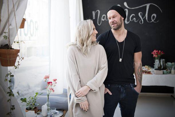 Nanna ja Jere Karalahti saavat kesällä tyttären.