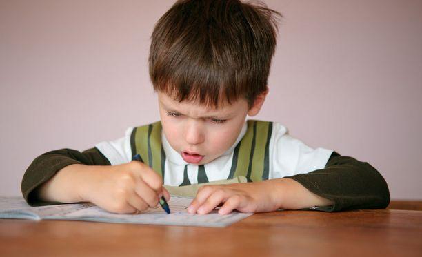 Diabeteslapsien sairaus vaikuttaa oppimiseen.