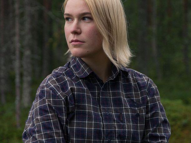 """Milla Veteläinen kertoo verkkosivuillaan olevansa """"maailmankansalainen, feministi ja vankka ihmisoikeuksien puolustaja""""."""