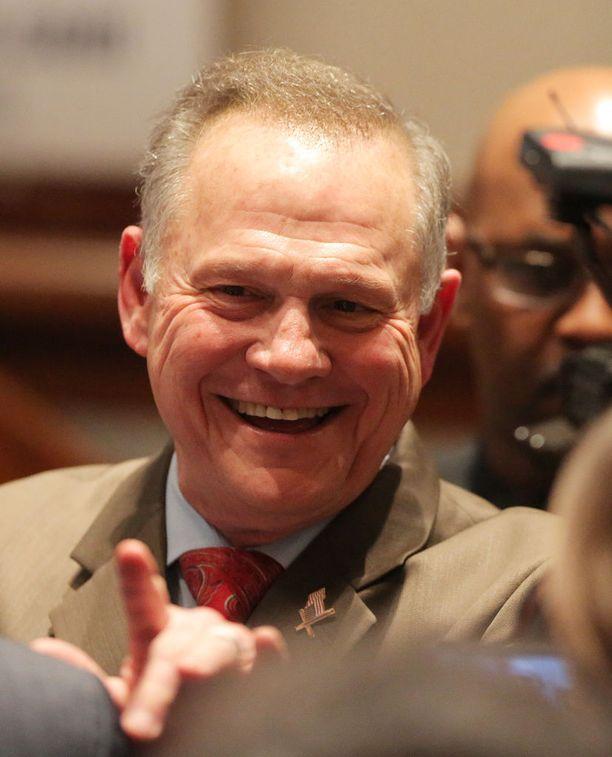 The Washington Post voitti tutkivan journalismin Pulizerin republikaanien Alabaman senaattoriehdokkaaseen Roy Mooreen liittyvästä paljastuksesta. Moore hävisi osavaltion senaattorivaalit demokraattien ehdokkaalle Doug Jonesille.