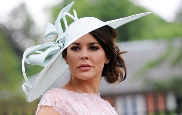 Walesilainen malli ja tv-kasvo Danielle Lineker linjakkaassa luomuksessa.