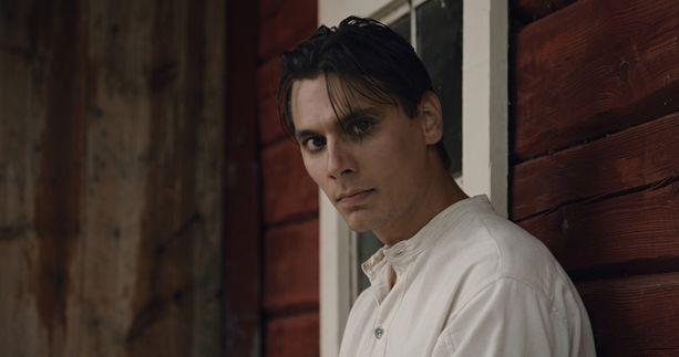 Konsta Laakso esittää elokuvassa Veikkoa.