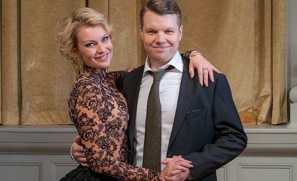 Kia Lehmuskoski on rakastanut nainen. Sunnuntaina ratkeaa, voittaako hän ja Hannes Tanssii tähtien kanssa -kisan.