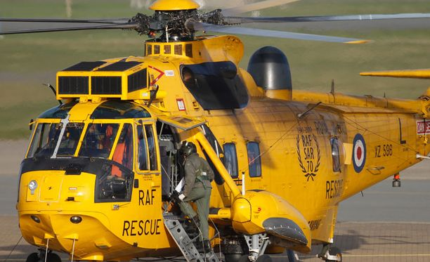 William palvelee Walesin Royal Air Forcen palveluksessa.