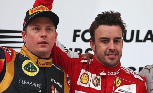 Kimi Räikkönen ja Fernando Alonson välille luodaan asetelmaa.
