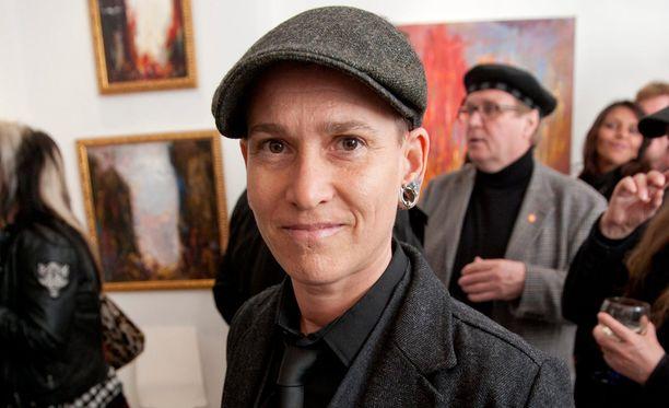 Vuonna 2011 Yazka osallistui Katariina Sourin taidenäyttelyn avajaisiin.