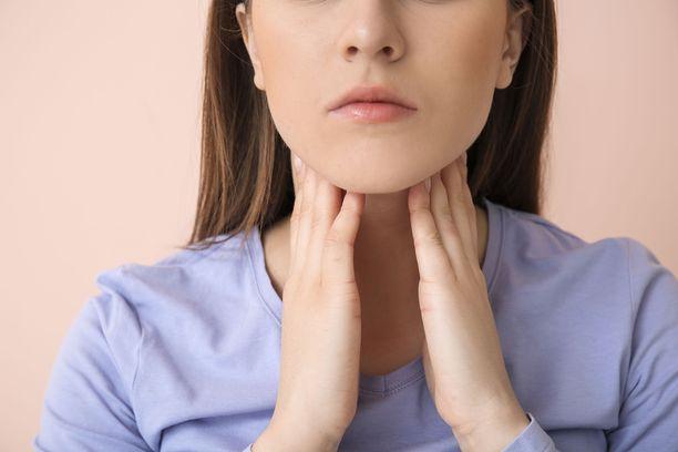 Nuorilla yleisen Hodgkinin lymfooman voi tunnistaa turvonneista imusolmukkeista.