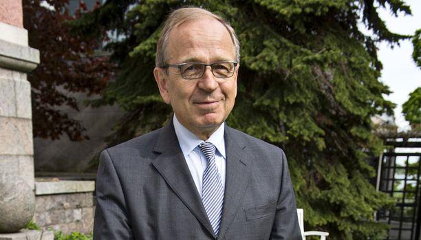 Suomen pankin pääjohtajan virasta viime vuonna eläkkeelle jäänyt Erkki Liikanen oli tällä kertaa ainoa suomalainen Bilderberg-kokouksessa.
