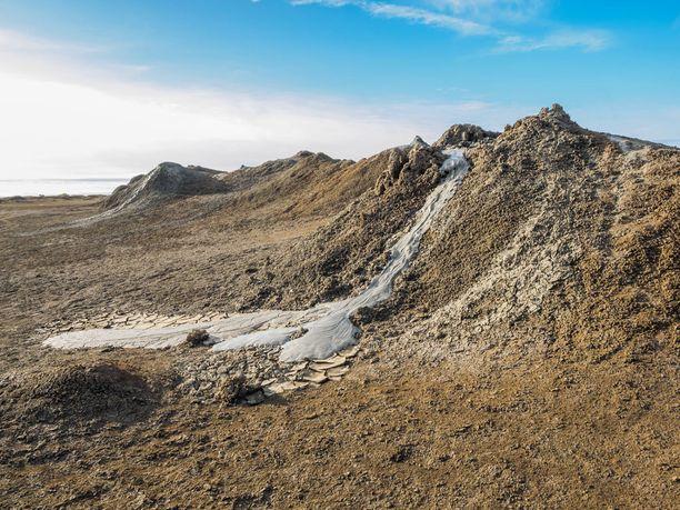 Gobustanin kansallispuisto Azerbaidzhanissa tunnetaan mutaa syöksevistä tulivuoristaan.