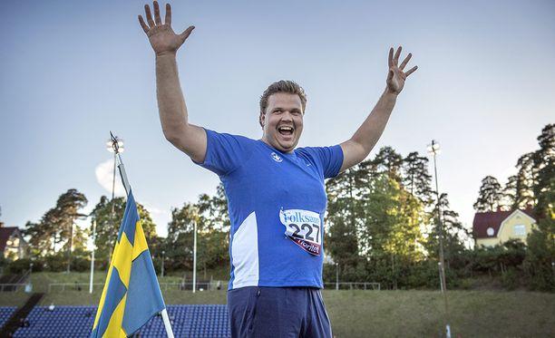 Kiekkojätti Daniel Ståhl on Ruotsin suurin kultasuosikki.