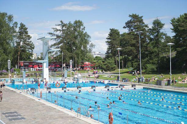 Uimastadion on maauimaloiden klassikko, ja todella suosittu varsinkin aurinkoisina päivinä.