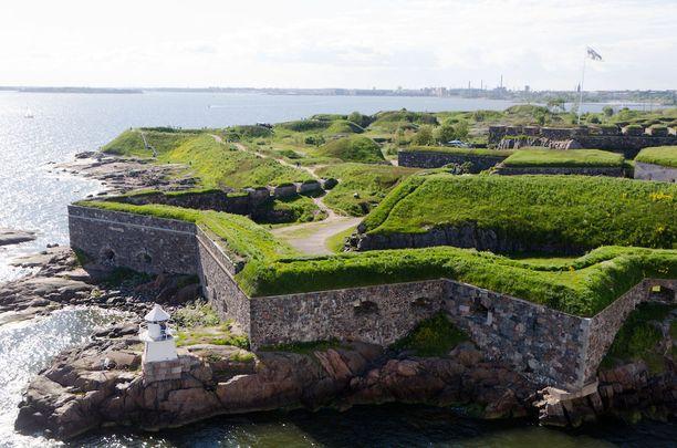 Suomenlinnan on Suomen tärkein nähtävyys, totetavat matkailijat.