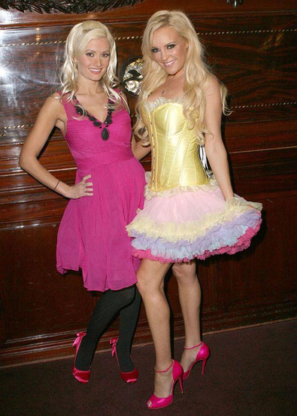 Hefnerin exien Holly Madisonin ja Bridger Marquardtin yhteisposeeraus.