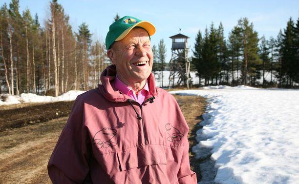 Sammakkoprofessori Taisto Heikkisen mukaan Suomeen saadaan ensilumi jo reilun parin viikon päästä.