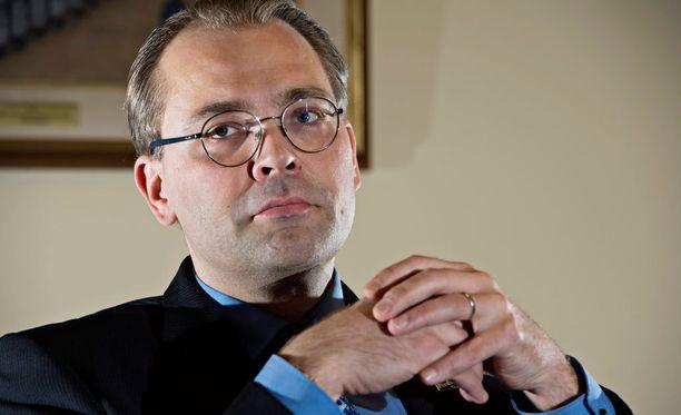Puolustusministeri Jussi Niinistön mukaan yhteistyö Britannian asevoimien kanssa jatkuu myös Britannian EU-eron jälkeen.