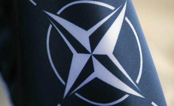 Enemmistö suomalaisista ei kannata Nato-jäsenyyden hakemista, selviää tuoreesta HS-gallupista.