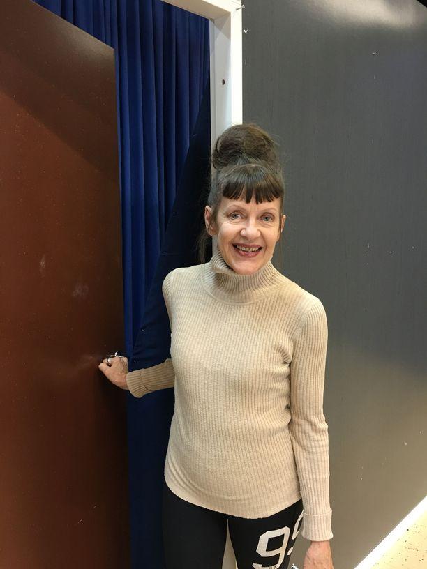 Näyttelijä-ohjaaja-käsikirjoittaja Eeva Eloranta rakastaa edelleen teatteria. – Teatteri on tarjonnut elämääni valtavan upean sisällön.