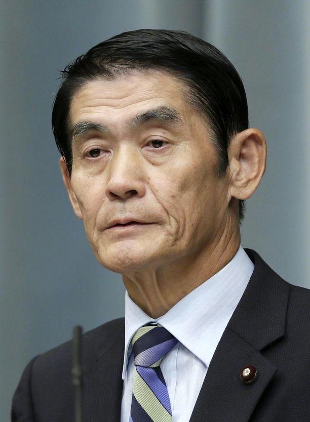 Japanilaisministeri Masahiro Imamura erosi.