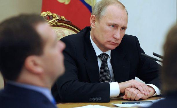 Venäjän viimeaikaiset ydinasevihjailut saattavat olla Putinille kohtalokkaita, arvioi asiantuntija.