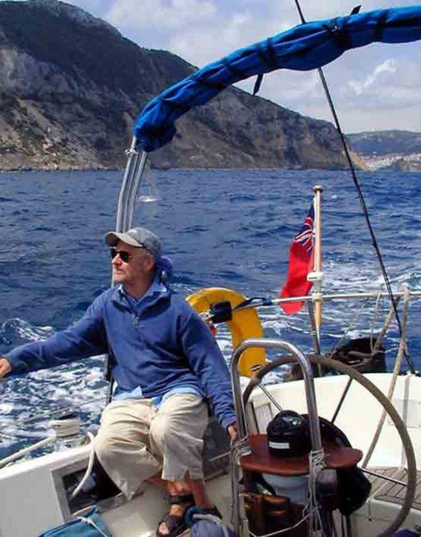Paul Chandler Lynn Rival -purjeveneellään.