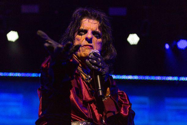 Alice Cooper ei jäänyt koronapandemian aikana lepäämään vaan hän teki uutta musiikkia.