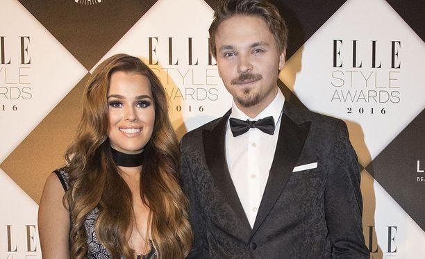Roope Salminen ja Sara Sieppi kertoivat erostaan tällä viikolla.