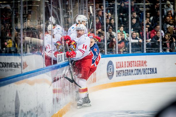 Tomi Mäki ja Oliver Lauridsen joutuivat ZSKA:n pyöritykseen Moskovassa.