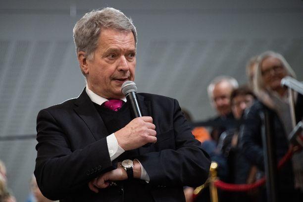 Tasavallan presidentti Sauli Niinistö otti uudenvuodenpuheessaan kantaa ajankohtaisiin aiheisiin.