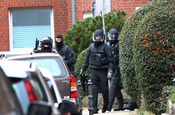 Saksan erikoisjoukot pidättivät viisi ihmistä Alsdorfissa yleisövihjeen ansiosta.