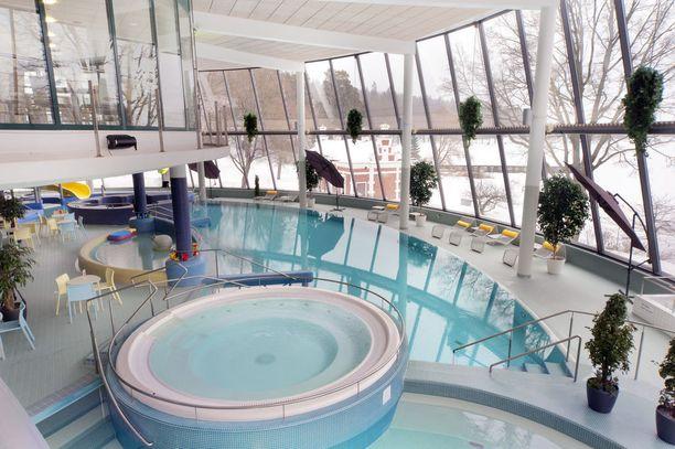 Hämeenlinnan Aulangon luonnonpuistosta löytyy myös kylpylä.