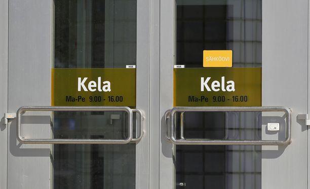 Kela kadotti maaliskuussa noin 3 000 ihmisen toimeentulohakemukset, uutisoi Aamulehti.