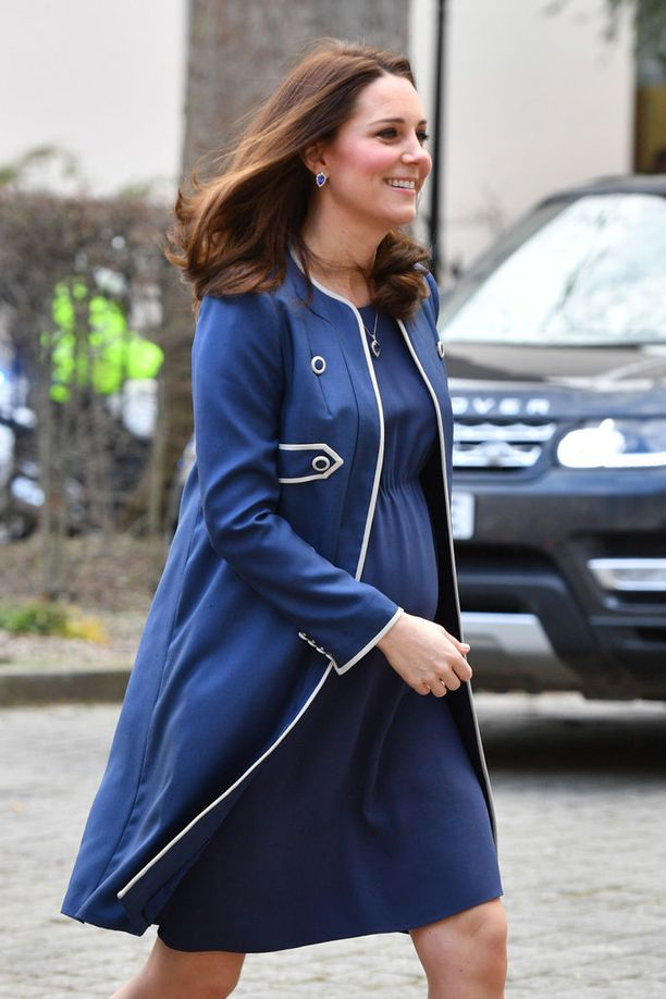 Herttuatar suosii usein erilaisia takkimekkoja.