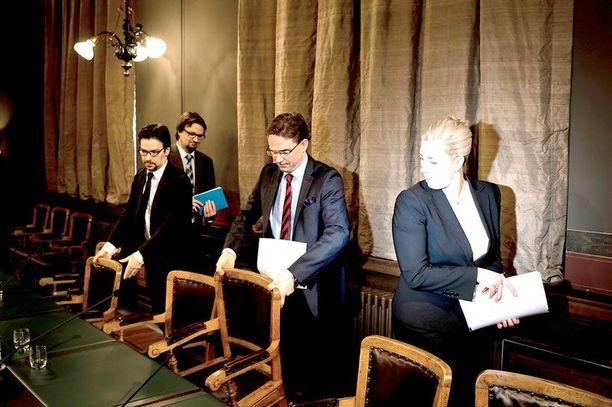 Jyrki Kataisen hallituksen poliittinen sitoutuminen painopisteajatteluun jäi valmisteluprosessissa ohueksi, virkamiesraportti suomii. Epäselvyys keskeisimmistä painopisteistä on vaikeuttanut raportin mukaan resurssien siirtämistä tärkeimpien tavoitteiden tukemiseen.