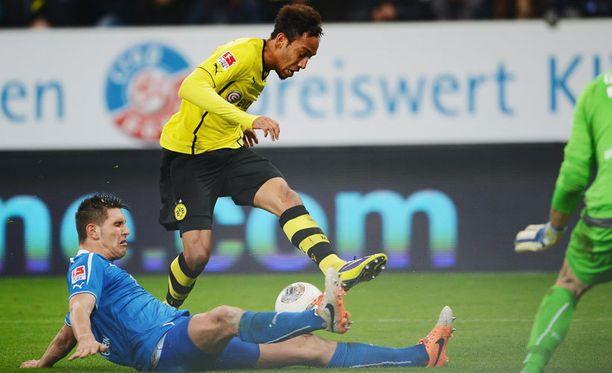 Dortmundin Pierre-Emerick Aubameyang sai haasteen.