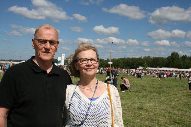 Aviopari Helinä Hoppa ja Jorma Hoppa tulivat Pohjois-Karjalan Liperistä Suviseuroille Poriin.