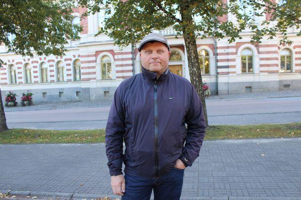 Juha Vimpari kertoo, että välit Teemu Torssoseen ovat ajan myötä viilentyneet.
