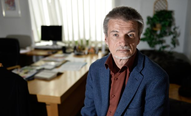 Kopakkala esiintyi noin vuosi sitten Ylen MOT-ohjelmassa, jonka aiheena olivat masennuslääkkeiden haittavaikutukset. Esiintymisen jälkeen Kopakkala irtisanottiin.