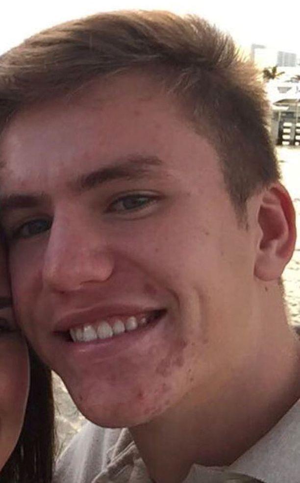 Ruotsalainen 17-vuotias Nicholas Dworet menehtyi keskiviikkona Floridan kouluammuskelussa.