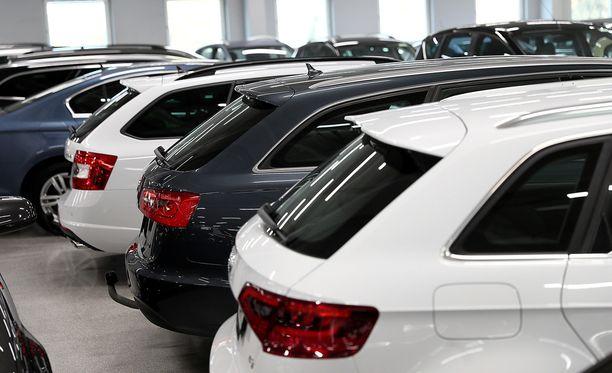 Esimerkiksi Laakkonen myy vuodessa noin 15 000 autoa, joista yli 10 prosentissa käytetään leasingsopimusta. Kuvituskuva.