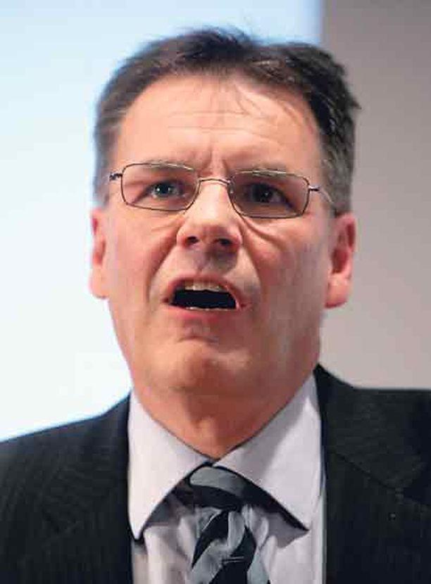 Toimitusjohtaja Olli-Pekka Kallasvuo kertoi Nokian syöksyneen tappiolle ensi kerran 16 vuoteen. Matkapuhelimet kannattivat kuitenkin edelleen.