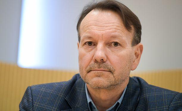 Antti Leppävuori piti säännöllisesti yhteyksiä Paavo M. Petäjän kanssa.