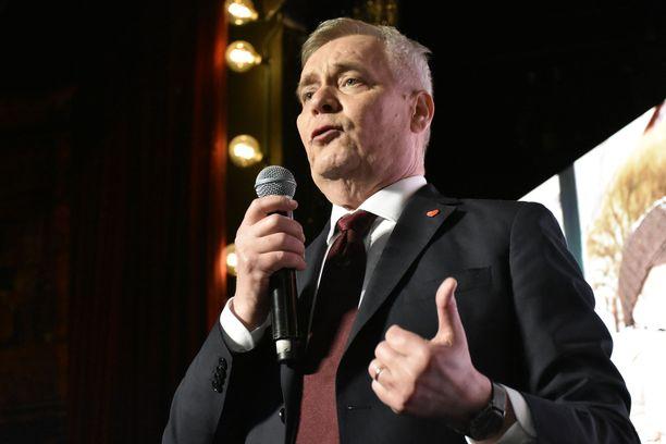 SDP:n vaalivalvojaisissa Antti Rinne korosti sitä, että puolueen ohjelmatyö ja politiikan sisältö perustuvat YK:n jäsenmaiden vuonna 2015 hyväksymiin kestävän kehityksen tavoitteisiin.
