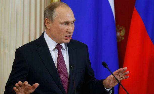 Vladimir Putin irtisanoi torstaina 17 kenraalia.