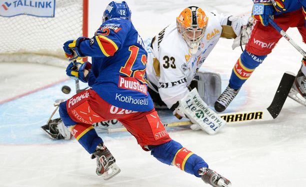 KHL:n maaliennätysmies Steve Moses olisi paha pideltävä Kärpillekin. Kuva syksyltä 2012.