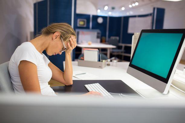 Moni työntekijä haaveilee, että palkattomista kiky-tunneista päästäisiin eroon. Työnantajapuoli kuitenkin väläyttää, että palkatonta lisätyötä voi tulla jopa lisää.